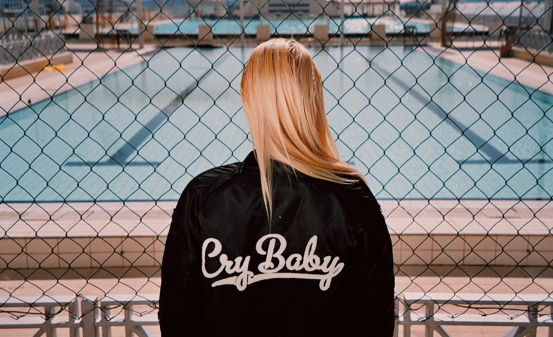 Zoe Karssen Cry baby boyfriend fit bomber: 453,00€